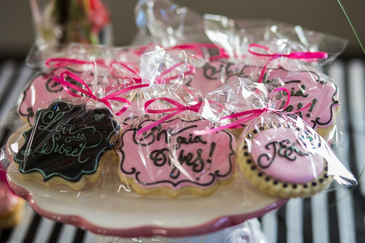 Individualized Wedding Favors Ideas - Lewis Portraits